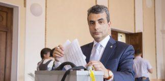 лев шлосберг кандидат в депутаты государственной думы россии от псковской области