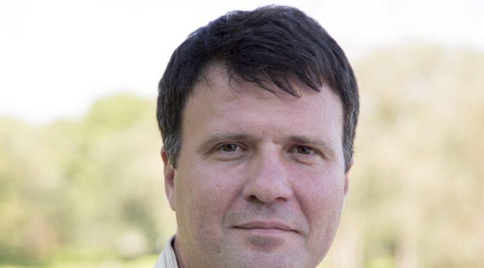 Дмитрий Валерьевич Волконский кандидат в Псковское областное собрания от партии яблоко