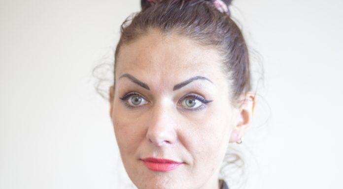 Юлия Степанова кандидат псковского яблока в областное собрание депутатов