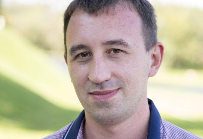 дмитрий пермяков кандидат псковского яблока в областное собрание депутатов шестого созыва