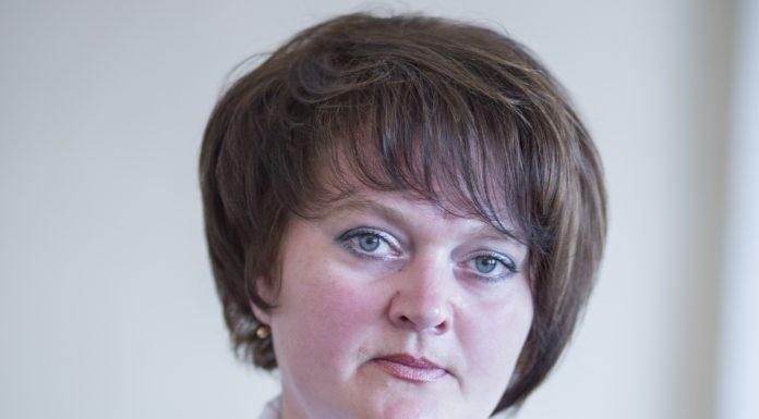 Ольга Иванова кандидат Яблока в Плюссе на выборах в Псковское областное собрание депутатов