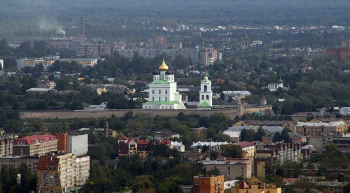 Граждане города Пскова отрезаны от управления городом, в котором живут. Что с этим делать? Мы даем ответ: вернуть власть народу.