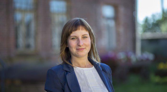 Ольга Гусейнова, учитель, самый молодой кандидат гдовской команды.