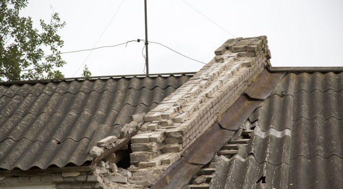 Проблема расселения аварийного жилья в Гдове не решается десятилетиями.