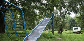 Дефицит современных детских площадок – одна из важнейших проблем Опочки.