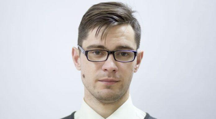 Евгений Кузьмин, кандидат в Островское районное собрание депутатов в едином списке партии «Яблоко» и по одномандатному округу №1