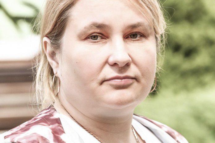 Елена Траскина, кандидат в депутаты Великолукской городской Думы в составе единого списка кандидатов от партии «ЯБЛОКО» и по одномандатному округу №8.