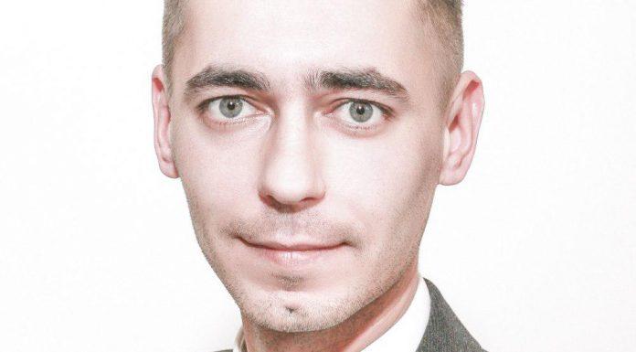 Ильгар Гусейнов, кандидат в депутаты Великолукской городской Думы в составе единого списка кандидатов от партии «ЯБЛОКО» и по одномандатному округу №4.