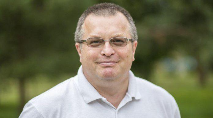 Сергей Изотов, кандидат в депутаты Бежаницкого районного Собрания в составе единого списка партии и по одномандатному округу №3.